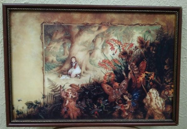 Картина в декоративной рамке «Девочка в лесу» 425х295 мм